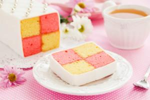كعكة-باتنبرغ-من-أشهى-صور-حلويات-المملكة-المتحدة