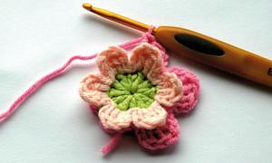 Crocheted-flower-2-007