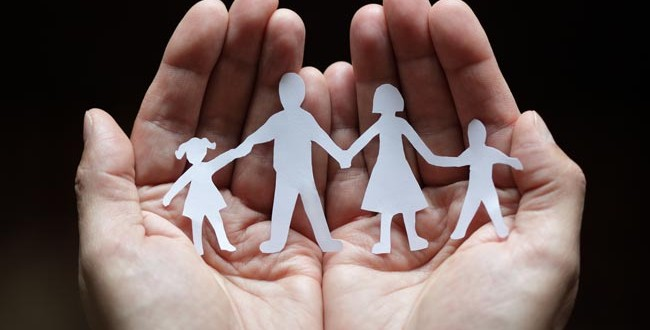 How-to-maintain-a-strong-relationship-with-family